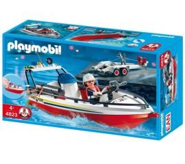 Barca Cu Remorca A Pompierilor