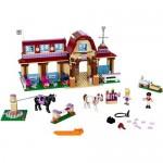 Clubul de calarie din Heartlake LEGO Friends